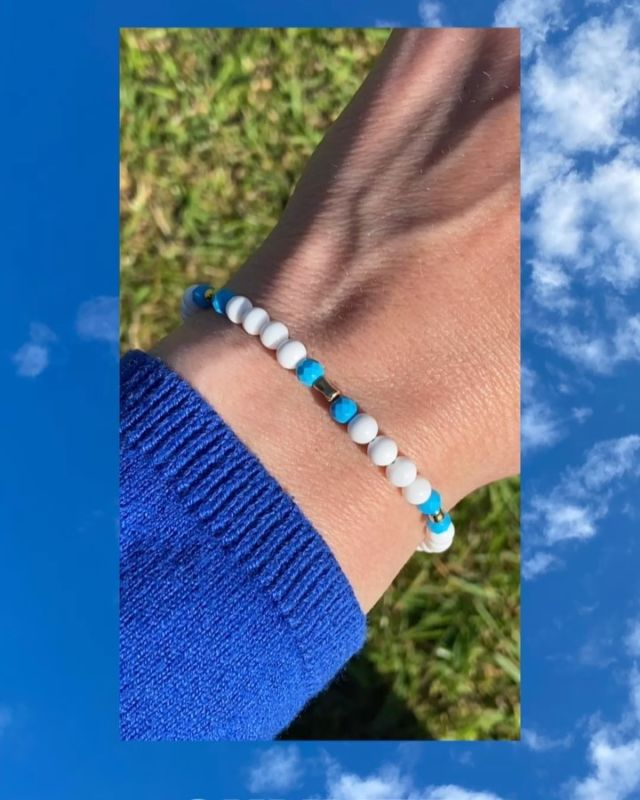 Summer is in the air 😎🌞. The colours of today's sky remind me of this tridacna & turquoise bracelet. A lovely stacking bracelet for summer. @designireland #gemstonebracelet #tridacna #turquoisebracelet #irishjewellery #irishcraft #ilgemstones #stackingbracelet #fashionover40 #styleover40 #madelocal #irishdesign #handmadeinireland #madeinireland #delicatebracelet